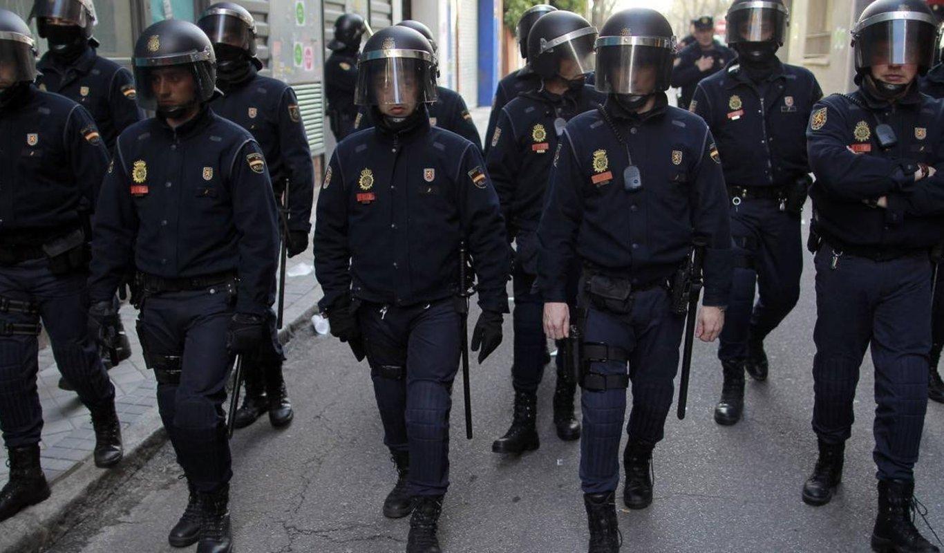 Un antidisturbios fallece por coronavirus tras prestar servicio en la crisis migratoria de Canarias