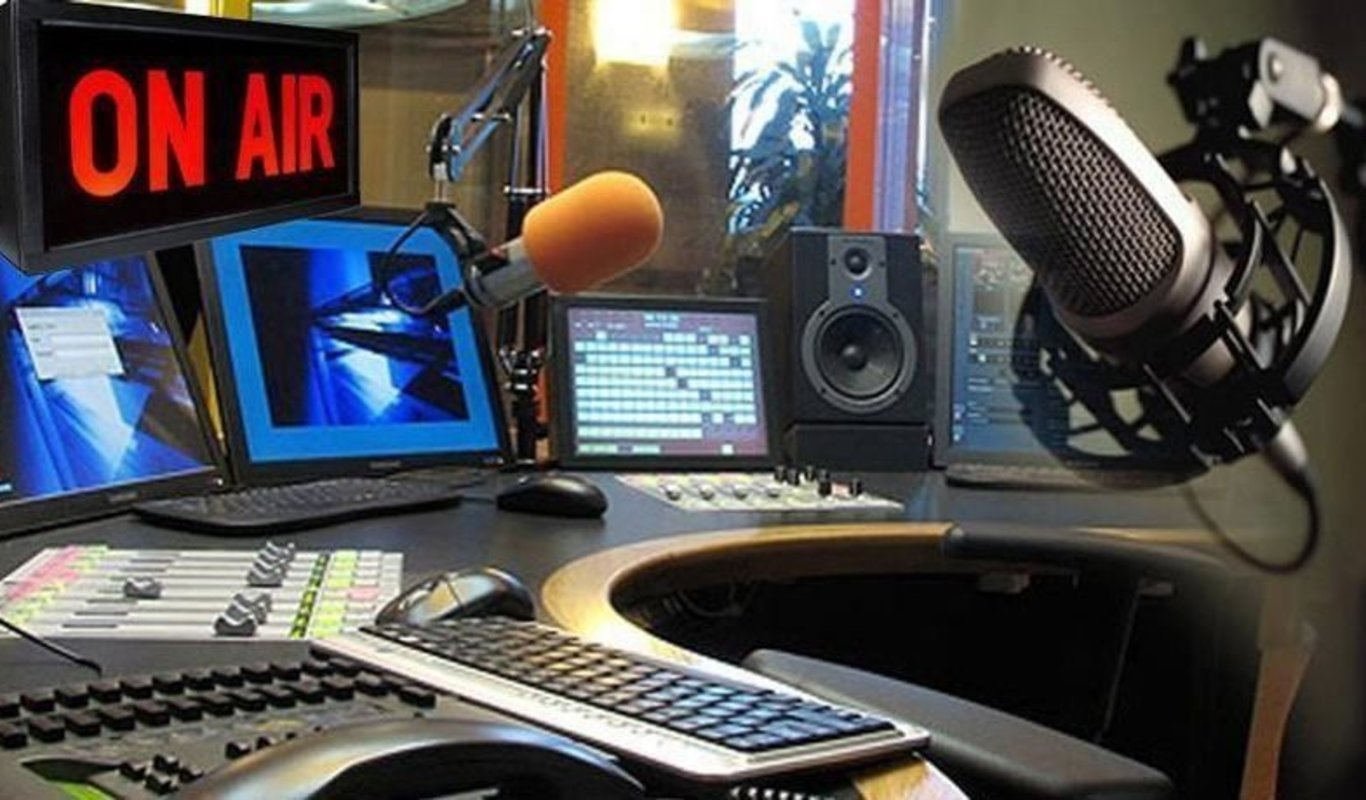 Escucha nuestra radio on line Voz de Barro FM Hit Radio