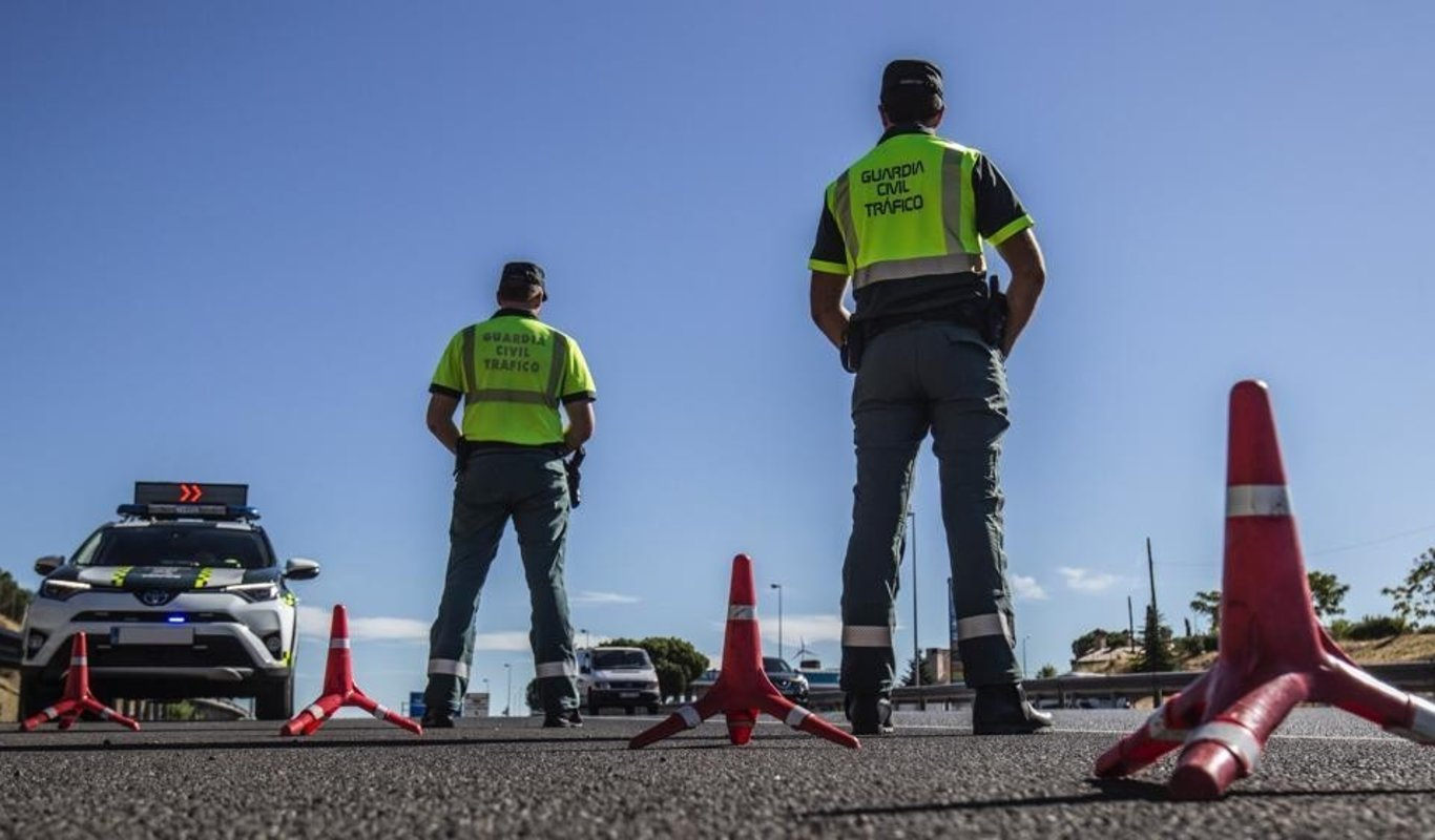 Agentes de Tráfico de la Guardia Civil.