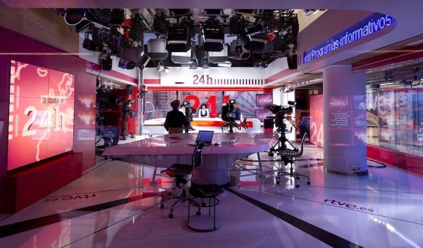 `Los Desayunos` de TVE y `La Noche en 24 Horas`, en el aire por el bloqueo político