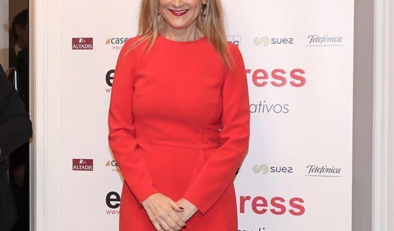 rojo tumbada vestido vestido fotografia mujer mujer fotografia vestido fotografia tumbada tumbada rojo rojo fotografia mujer UUx7SEgw