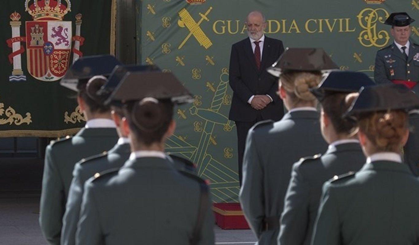 Mujeres en un acto de la Guardia Civil.
