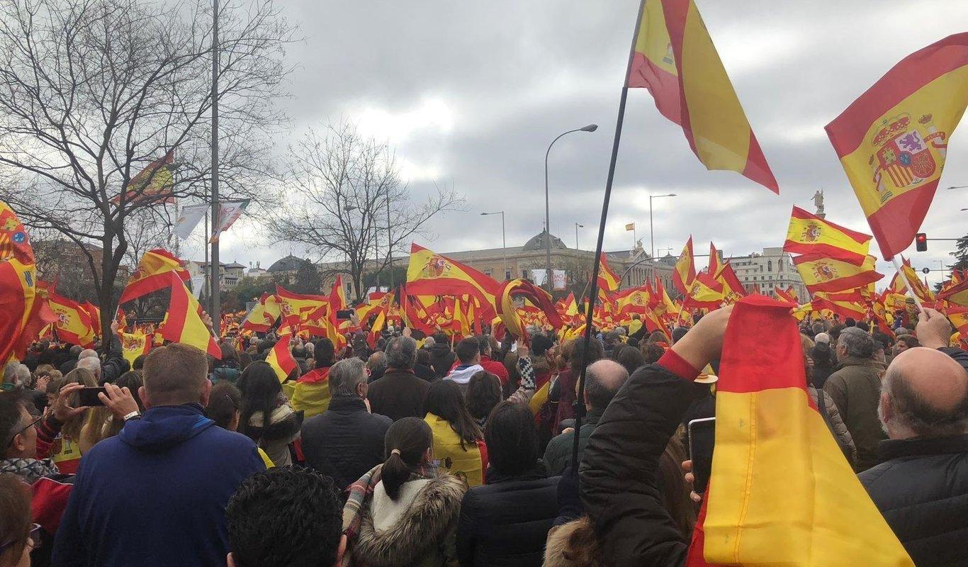 Miles de personas piden en Colón la salida de Sánchez
