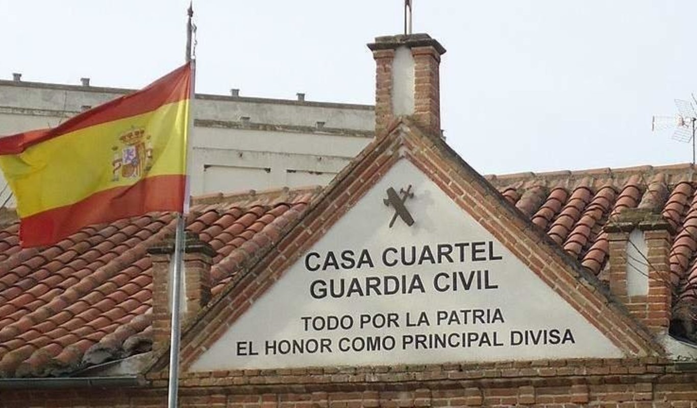 Casa cuartel de la Guardia Civil.
