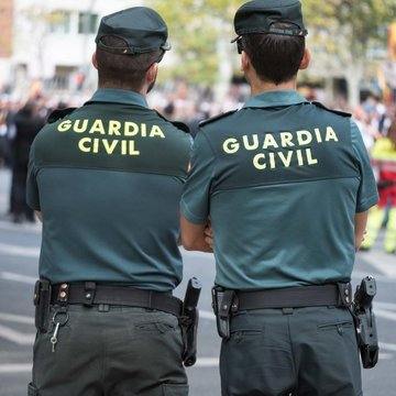 Roban a la Guardia Civil cinco pistolas y 150 balas en Granada