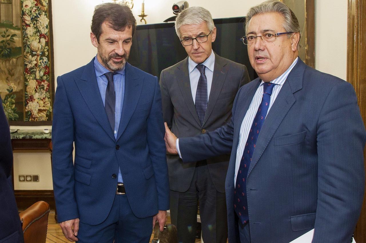 El enviado de zoido para controlar a los mossos sobrevive Numero del ministerio del interior