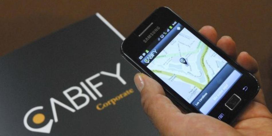 Hacienda amenaza con más impuestos a Uber y Cabify