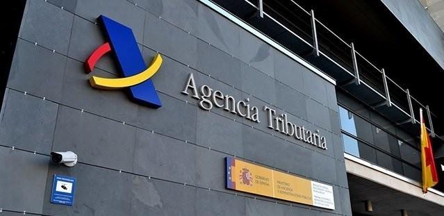 delegada agencia tributaria cantabria imparte clases asesoría fiscal