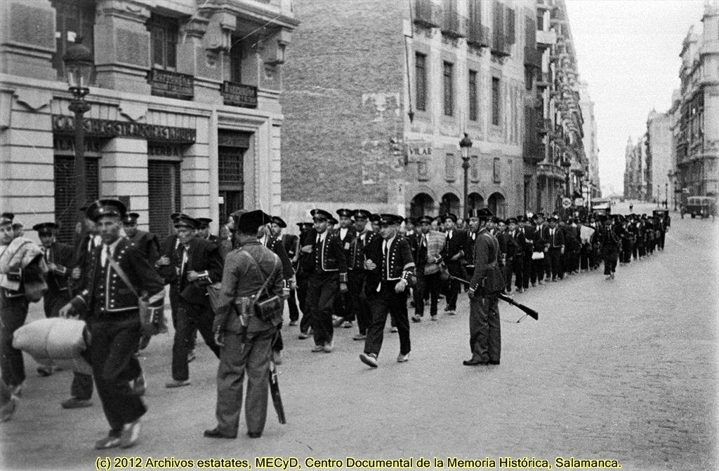Mossos detenidos por la Guardia Civil en 1934.