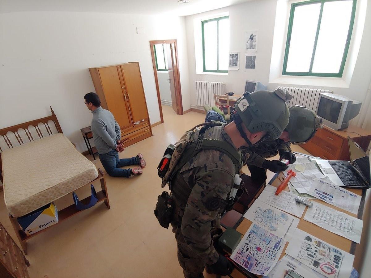 Ejercicio antiterrorista del Curso de Operaciones Especiales.
