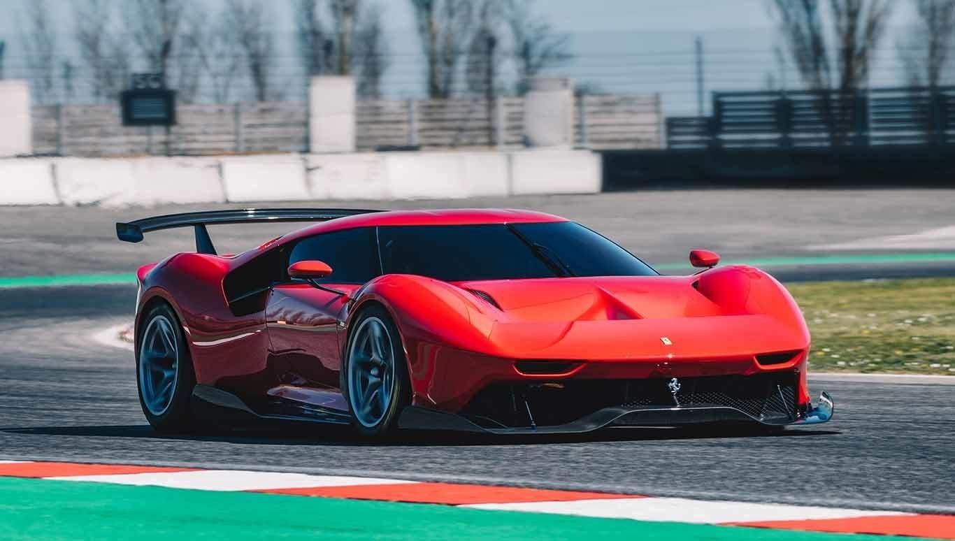 Ferrari P80/C: nunca te cruzarás con otro en la carretera