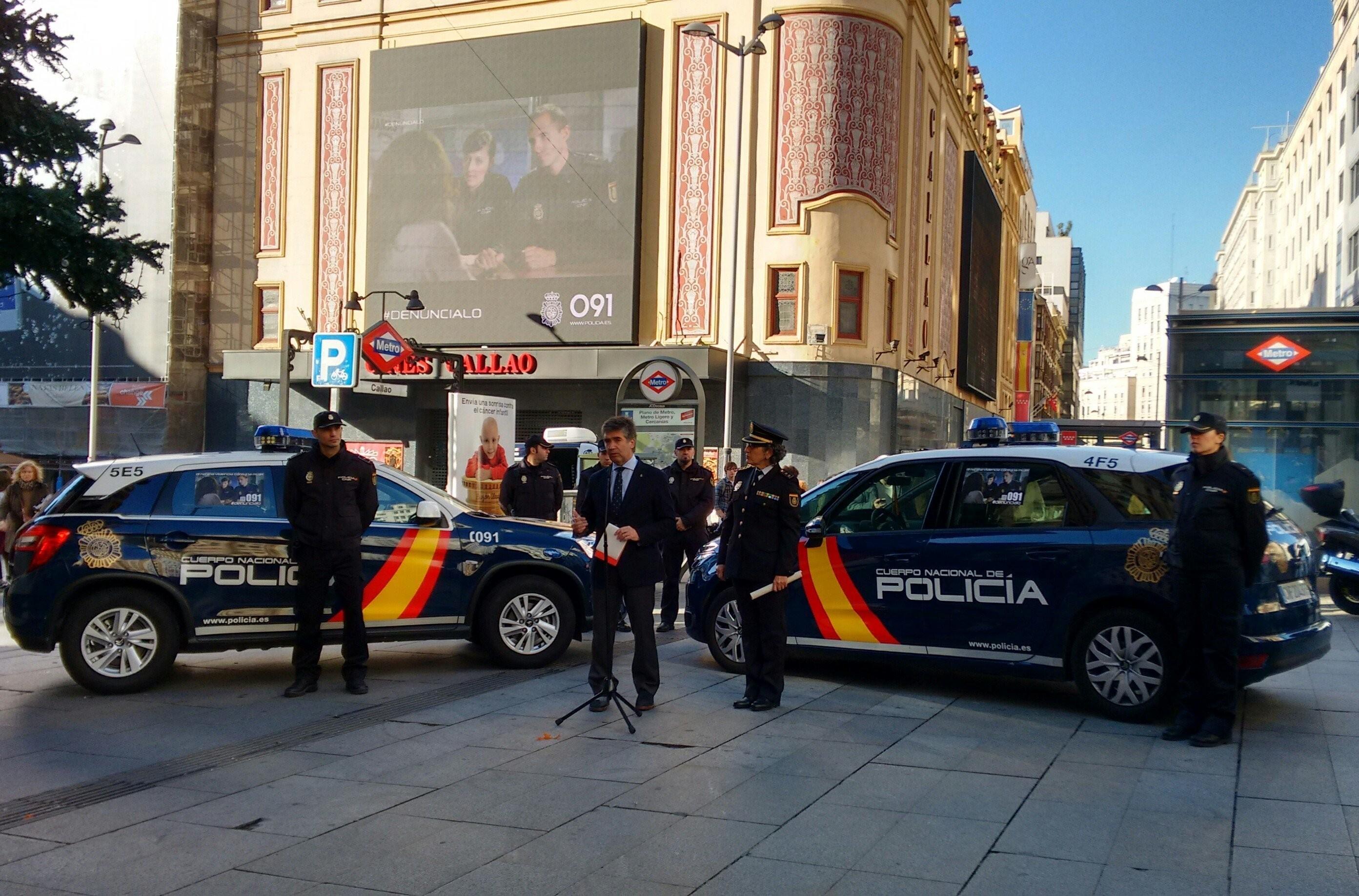 La Policía Nacional apuesta por coches híbridos ante restricciones como las de Madrid Central