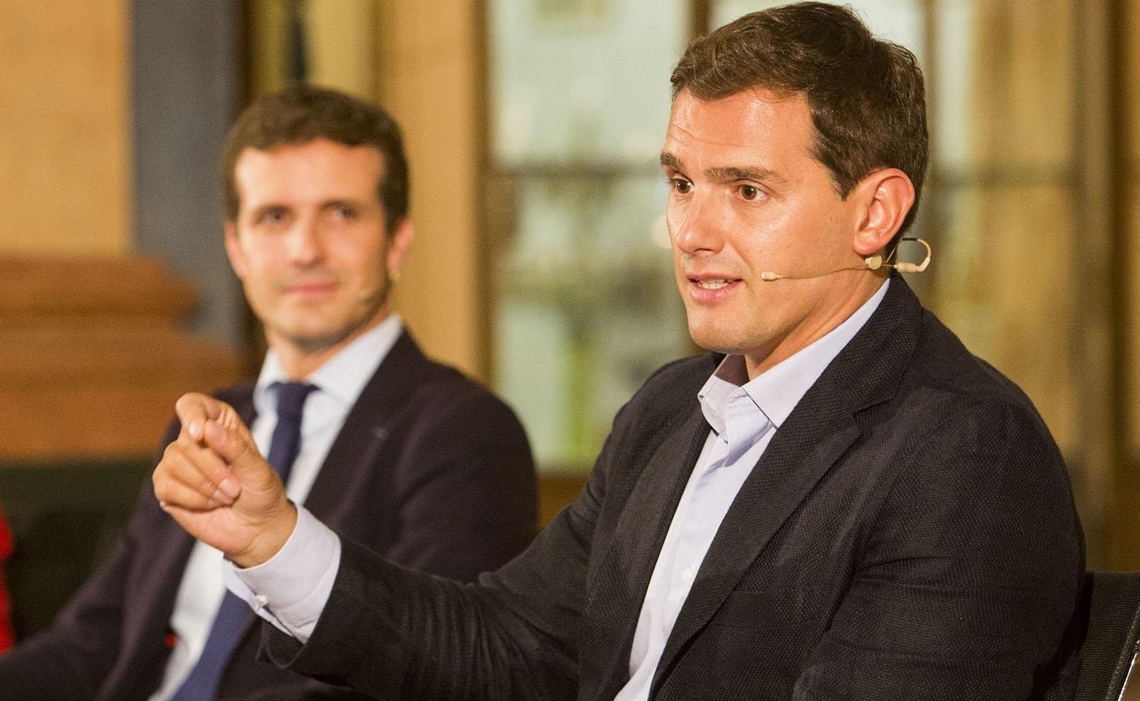 Pablo Casado se comprometió con Rivera a apoyar los Presupuestos si había un pacto PSOE-C's