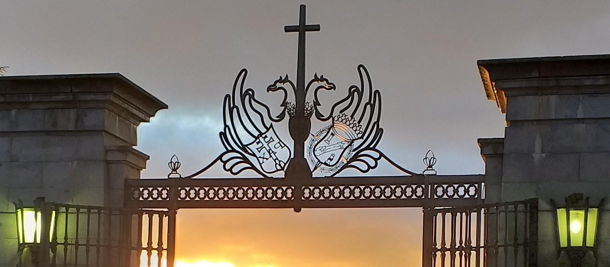 El Gobierno se dejó un recuerdo de Franco en el Valle de los Caídos