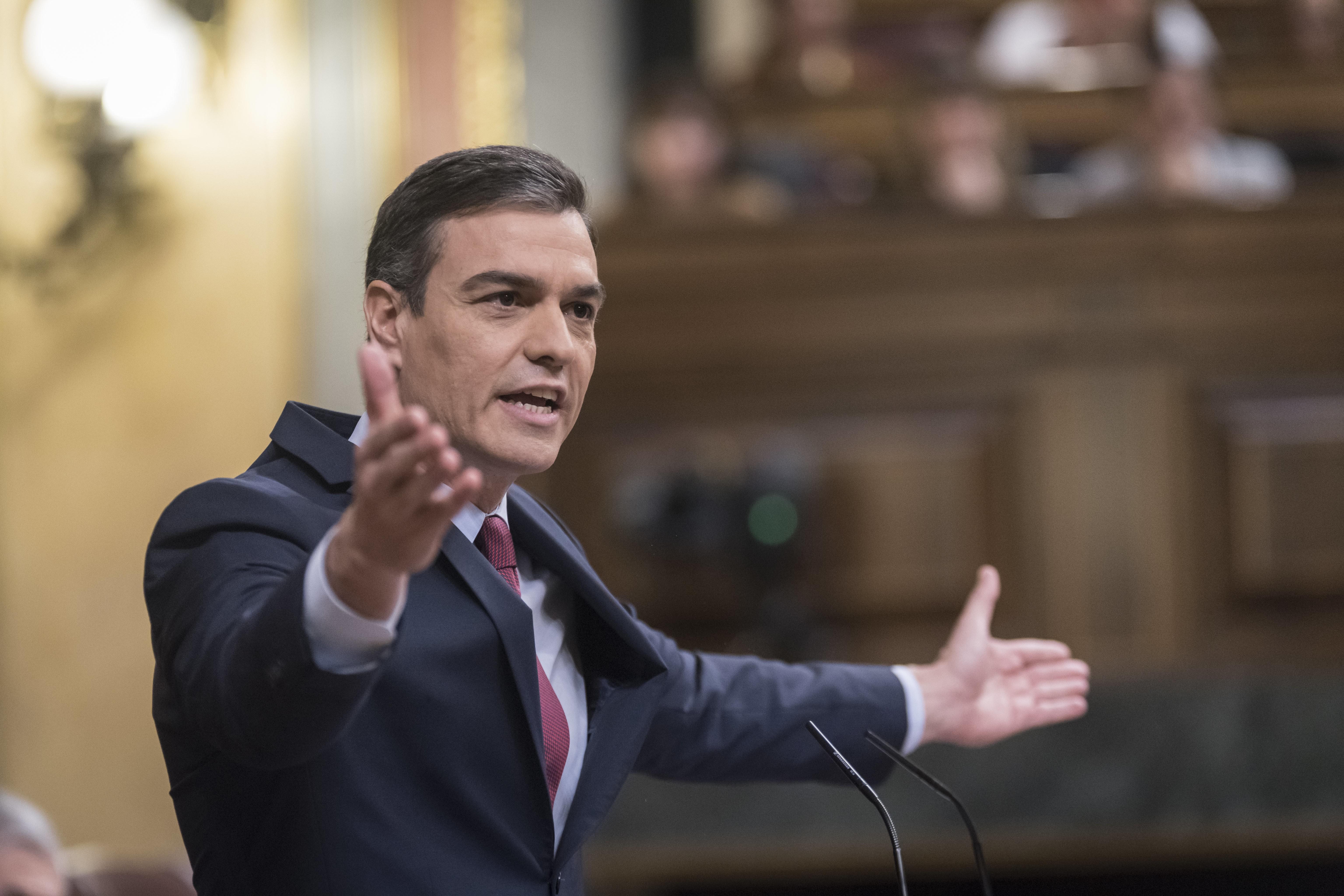 """Sánchez evita admitir el error de haber dado por """"vencido al virus"""" tras la primera ola"""
