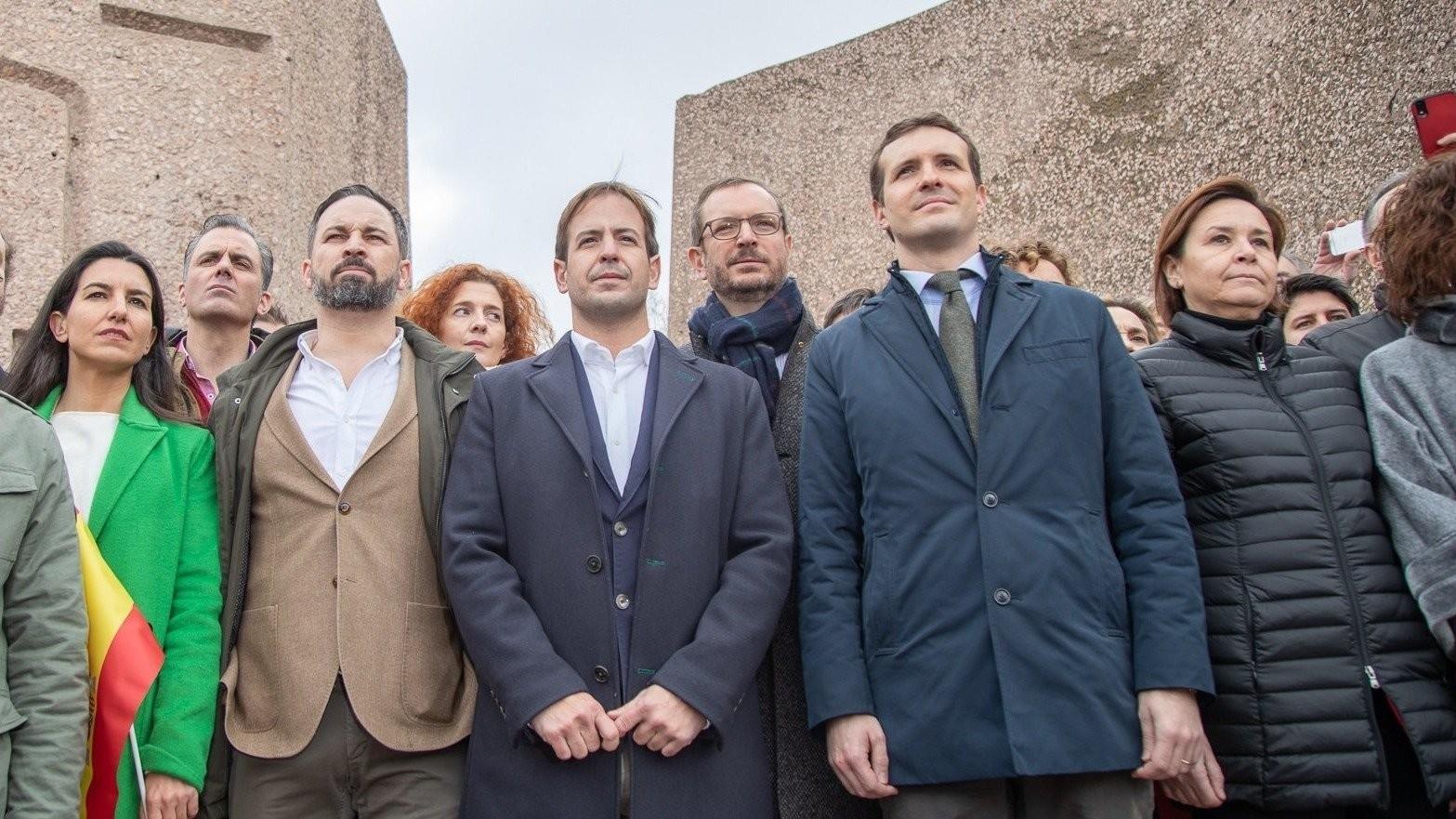 Abascal dará la sorpresa en Colón: anunciará que Vox rompe con el PP