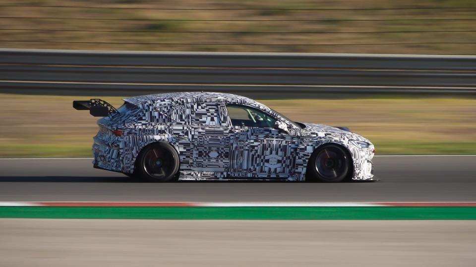Cupra reinventa la deportividad con el Concept Car totalmente eléctrico Cupra Tavascan