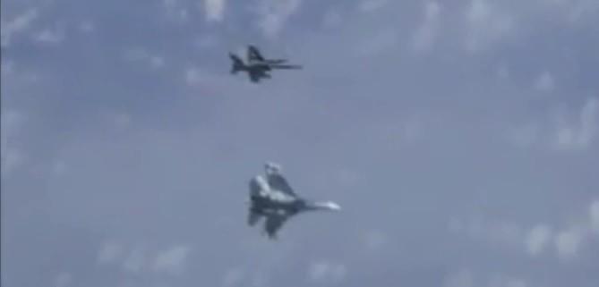 Defensa explica seis meses después el incidente de un F-18 con el avión del ministro de Rusia