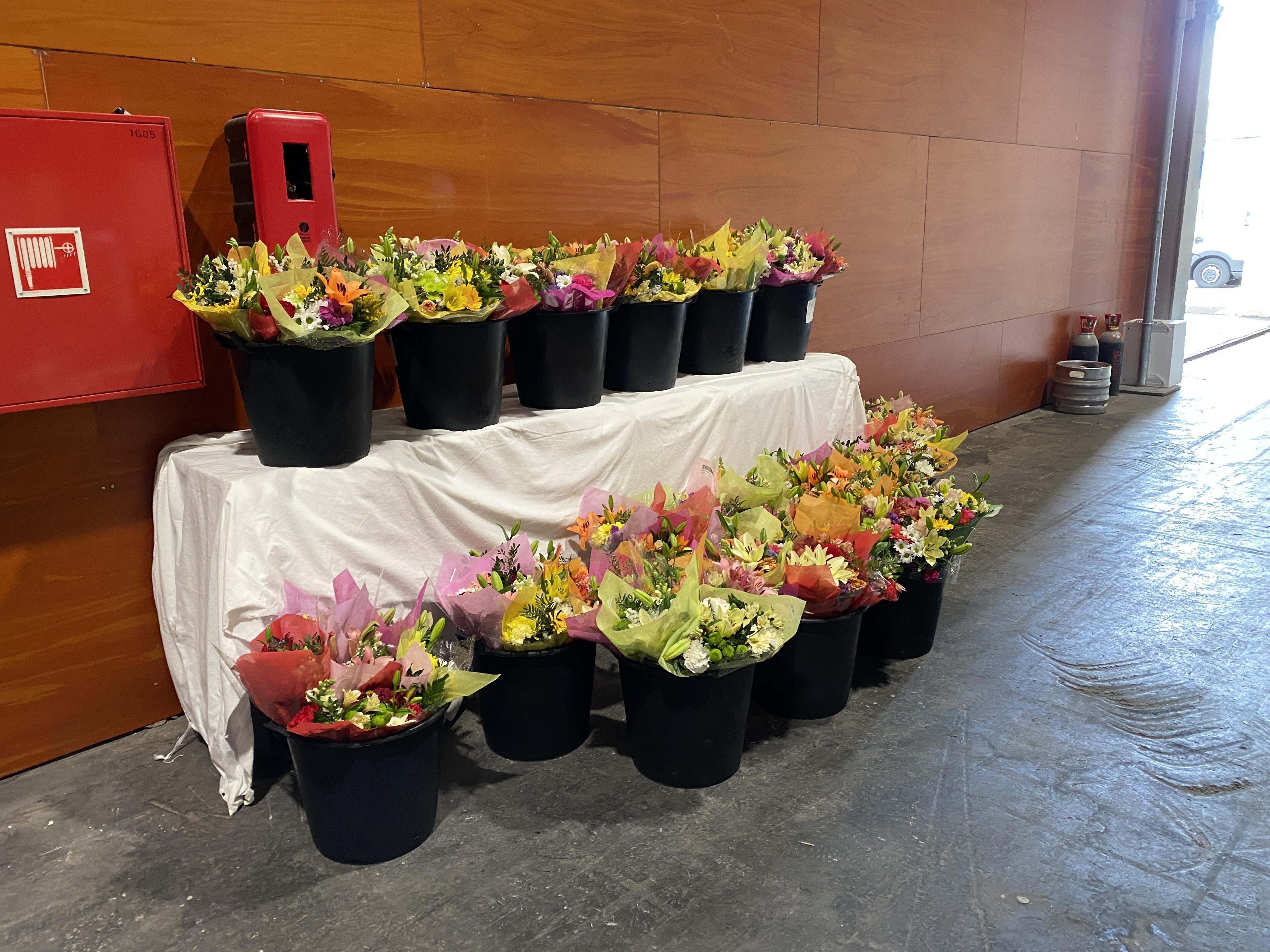 A la Fundación Madrina, por su donación de flores al hospital de Ifema