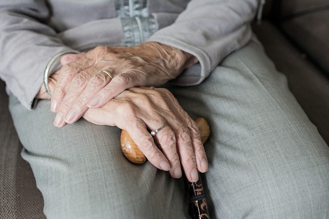 Comienza a relajarse el uso de la mascarilla en las residencias de ancianos