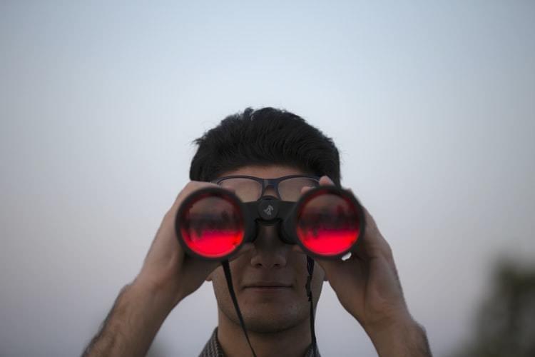 Claves a tener en cuenta a la hora de comprar prismáticos