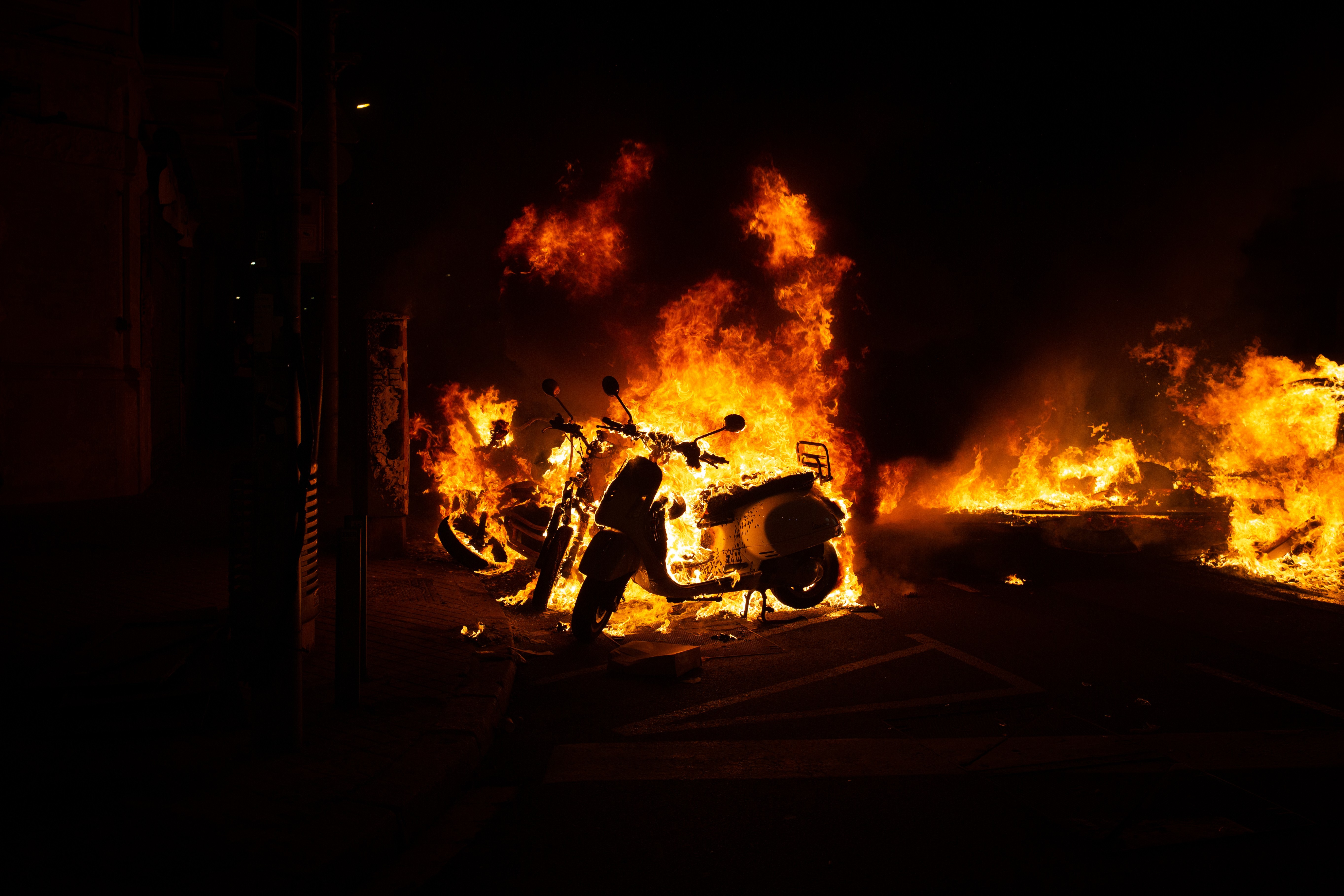 Denuncian a Echenique ante la Fiscalía del Supremo por su mensaje durante los disturbios