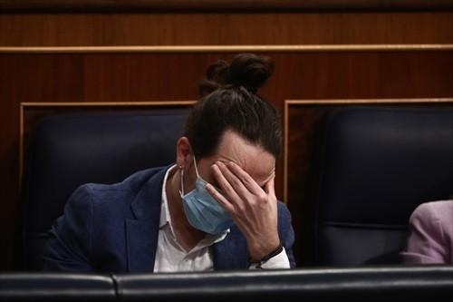 Podemos se arriesga en Madrid a recibir en subvenciones la mitad de la deuda a devolver por los microcréditos
