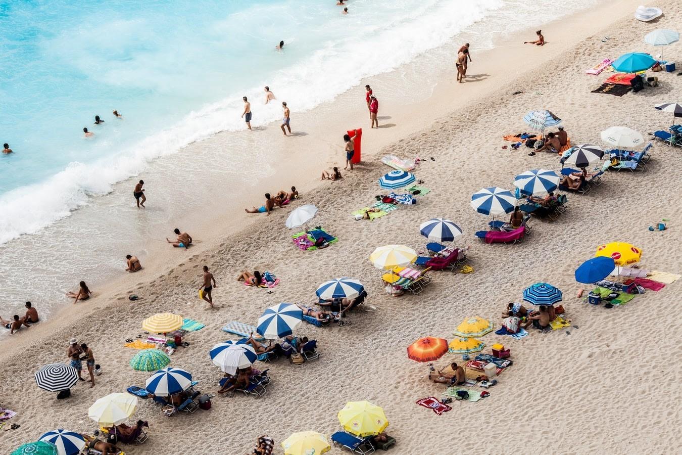 Caribe, Maldivas y Grecia, los destinos internacionales más reservados por los españoles para el verano