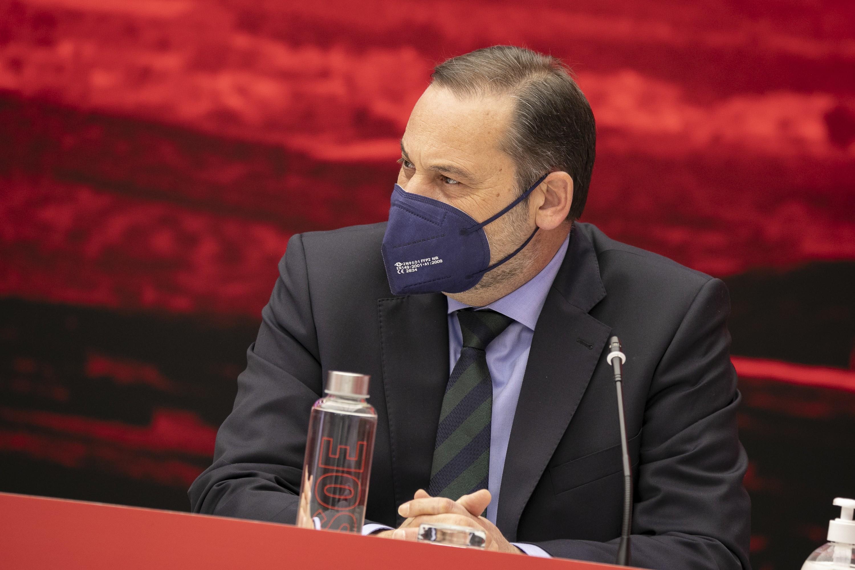 Sánchez frena la operación de Iván Redondo que pretendía desplazar a Ábalos de la dirección del PSOE